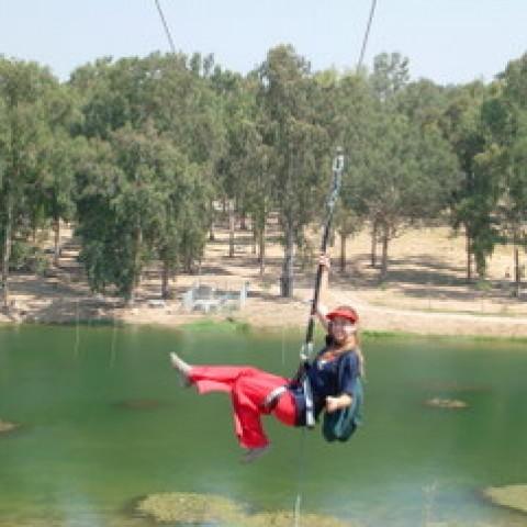 תמונות מפרוייקט יעזורו – אומגות מעל האגם בפארק אפק